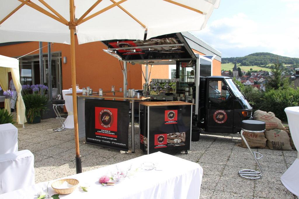 Ape1200-kaffeemobil-hochzeit