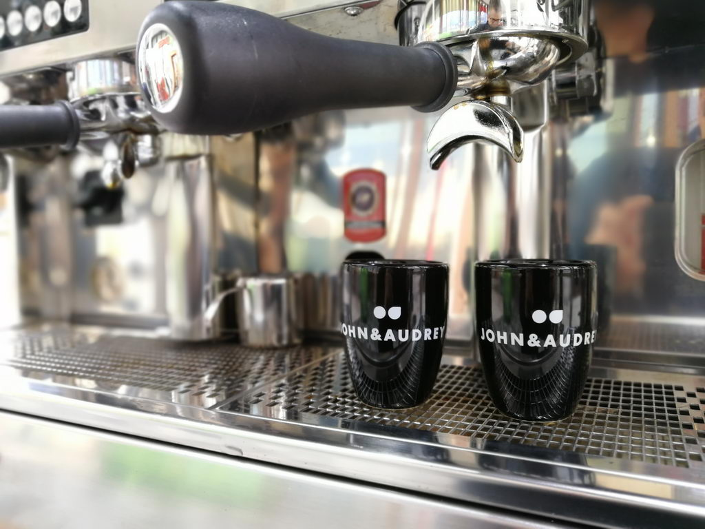 JOHN & AUDREY Kaffeemobil